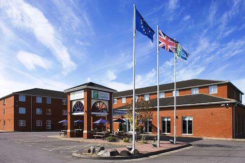 . Holiday Inn Express Southampton - West