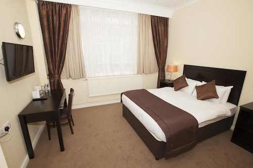 __{offers.Best_flights}__ The Dolphin SA1 Hotel