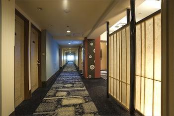 HOTEL NEW HANKYU KYOTO Hallway