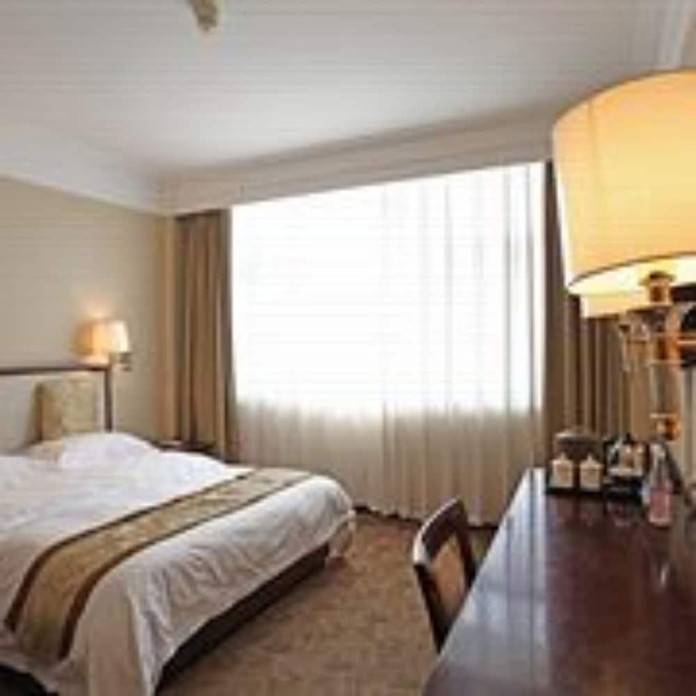 벨 타워 호텔 시안(Bell Tower Hotel Xian) Hotel Image 9 - Guestroom