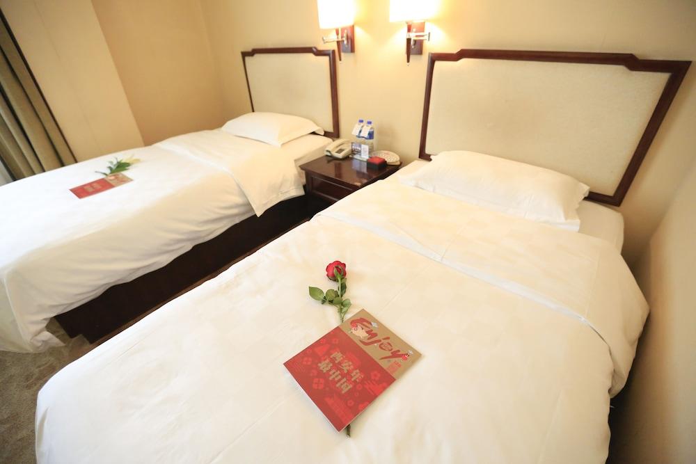 벨 타워 호텔 시안(Bell Tower Hotel Xian) Hotel Image 14 - Guestroom