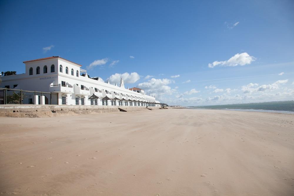 Playa De La Luz Hotel, Featured Image