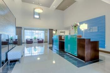 Holiday Inn Express Hotel & Suites Carlsbad Beach - Exterior  - #0