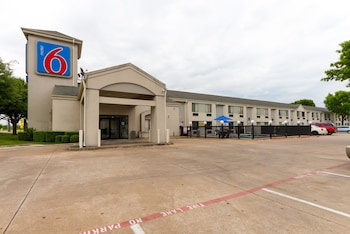 Hotel - Motel 6 Dallas Northeast