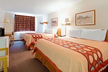 Room, 2 Queen Beds, Refrigerator