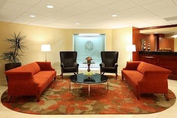 Lobby Sitting Area at Georgetown University Hotel and Conference Center in Washington