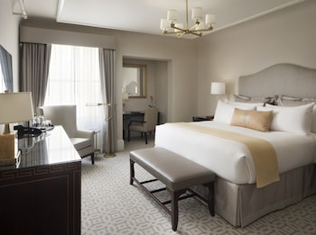 Ground Level Guestroom, 1 King Bed