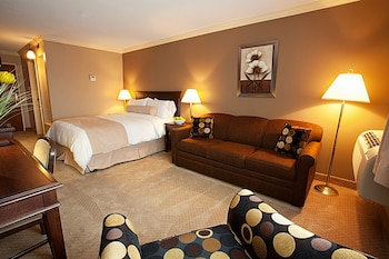Deluxe Room, 1 Queen Bed with Sofa bed