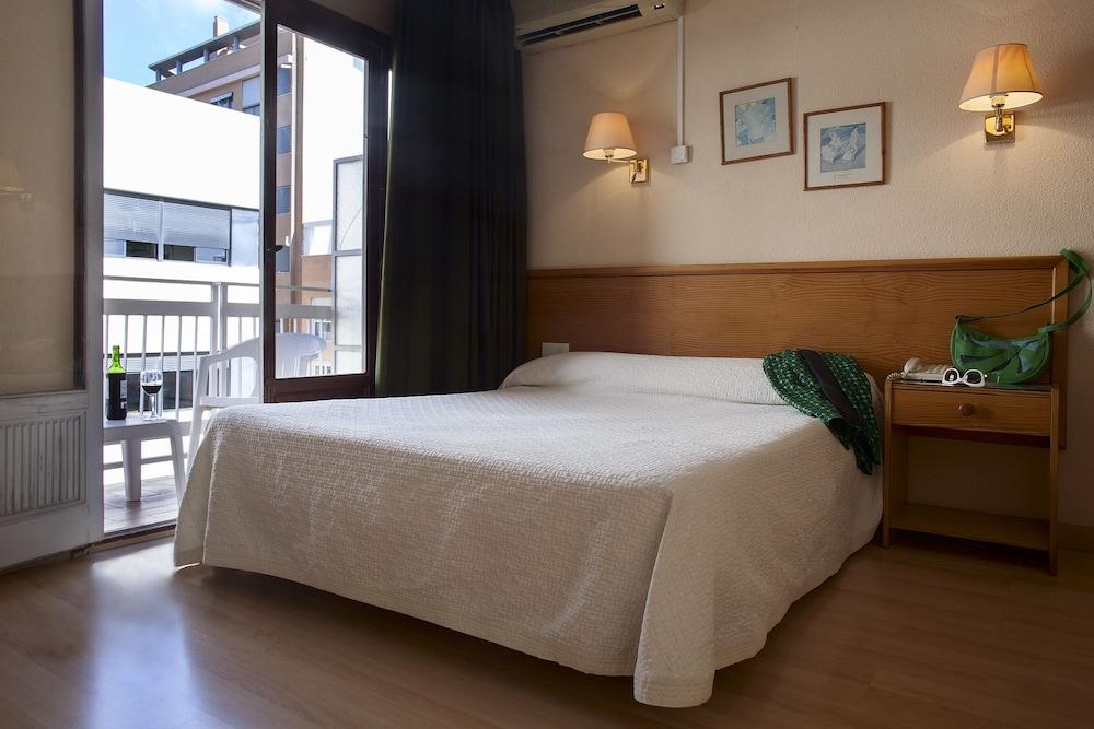 Hotel Goya, Featured Image