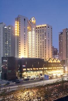 ジャングオ ホテル上海 (上海建国飯店)