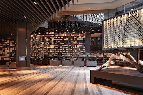 . Renaissance Beijing Wangfujing Hotel