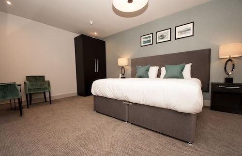 __{offers.Best_flights}__ Dumbuck House Hotel