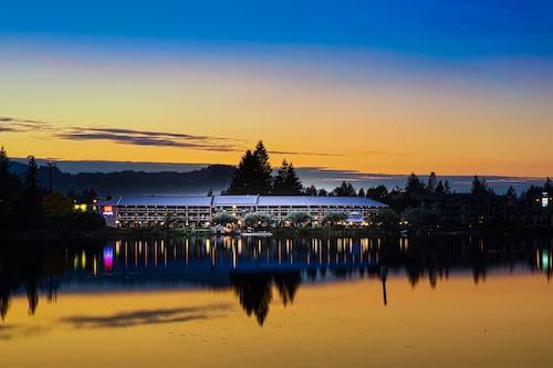 Inn On Long Lake, Nanaimo