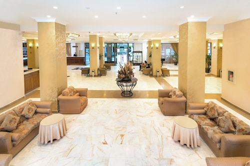 . Ani Plaza Hotel