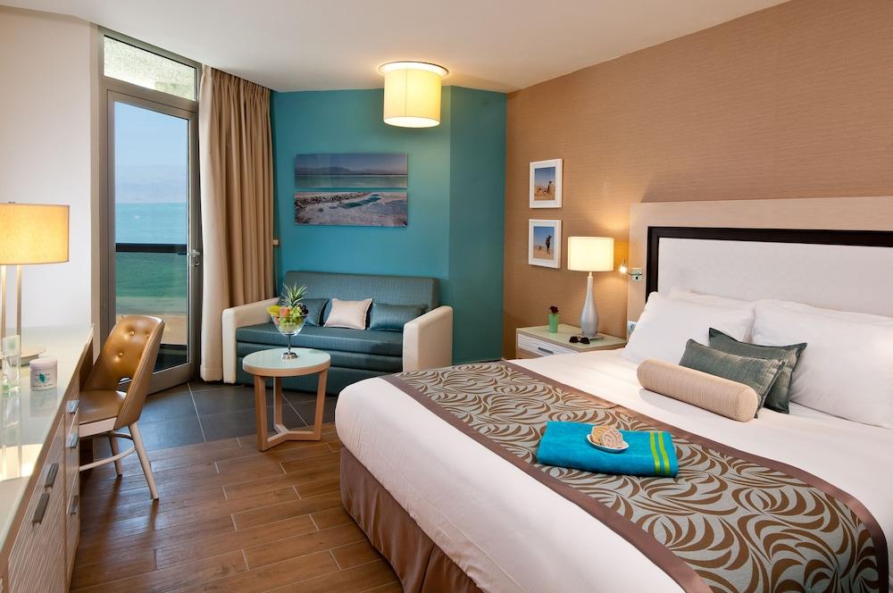 https://i.travelapi.com/hotels/1000000/80000/77300/77235/47dd4a92_z.jpg