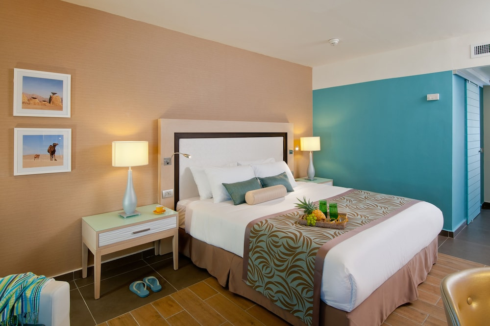 https://i.travelapi.com/hotels/1000000/80000/77300/77235/62145d64_z.jpg
