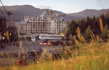 Pan Pacific Whistler Mountainside - Exterior