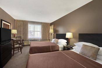 Room, 2 Queen Beds, Non Smoking (Pet Room)