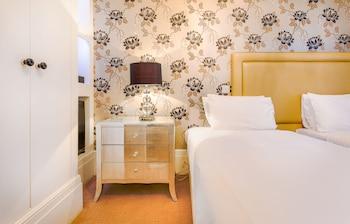 Junior Double Room, 1 King Bed (Lower Ground Floor)