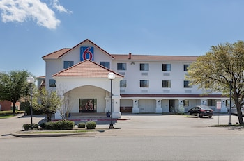 Hotel Front at Motel 6 Ft Worth - Bedford, TX in Bedford