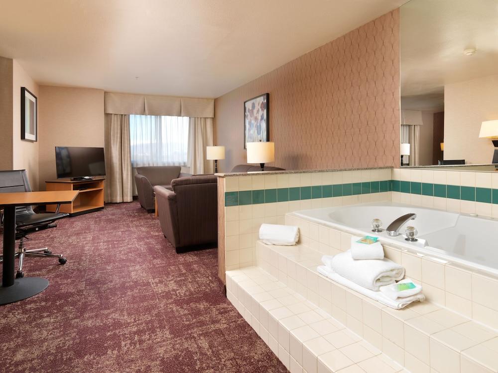 クリスタル イン ホテル & スイーツ ウエスト バレー シティ