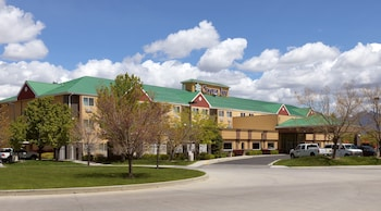 Crystal Inn Hotel & Suites West Valley City photo