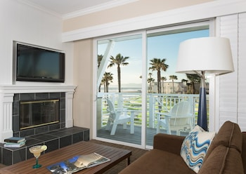 Suite, 1 King Bed, Ocean View