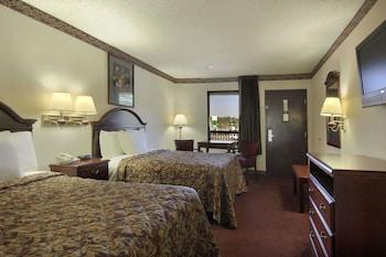 Tek Büyük Yataklı Oda, 2 Çift Kişilik Yatak