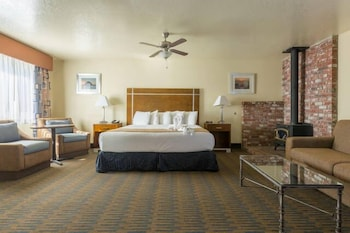 harbor house inn morro bay morro bay ca. Black Bedroom Furniture Sets. Home Design Ideas