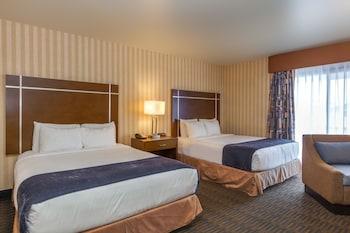 Standard Oda, 2 Büyük (queen) Boy Yatak, Kısmi Deniz Manzarası