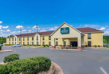 Quality Inn & Suites Canton, GA