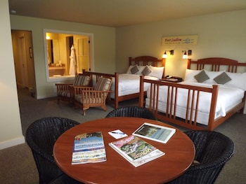 Double Queen Full View Inn Room