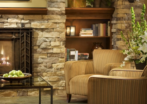 . Larkspur Landing Hillsboro - An All-Suite Hotel