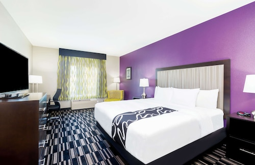 . La Quinta Inn & Suites by Wyndham Fairfield - Napa Valley
