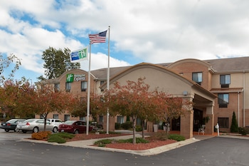 Hotel - Holiday Inn Express Hotel & Suites Canton