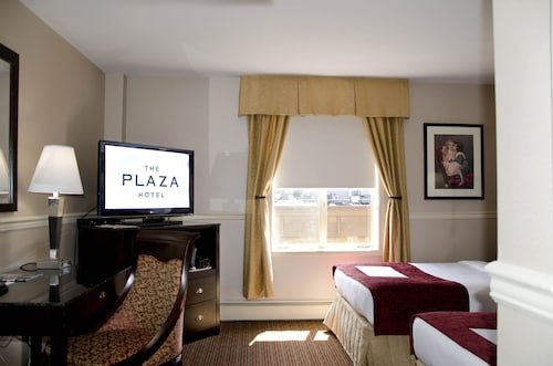 The Plaza Hotel, Trademark Collection by Wyndham, Thompson-Nicola