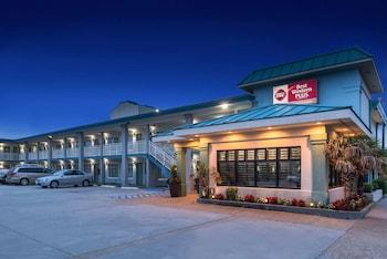 Best Western Plus Holiday Sands Inn & Suites