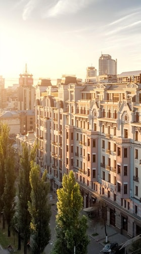 . Premier Palace Hotel