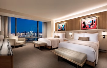Executive Queen Room (Newly Renovated)