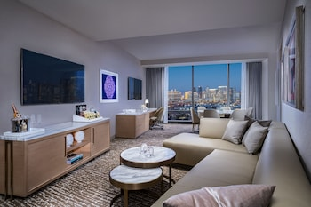 Executive Suite (Newly Renovated)