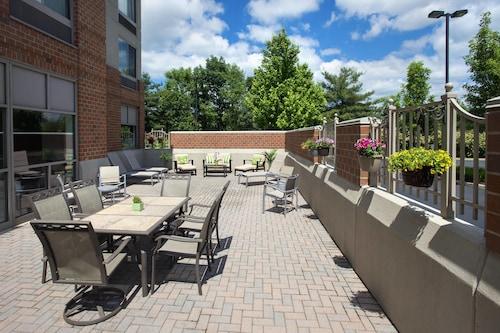 . SpringHill Suites Philadelphia Willow Grove