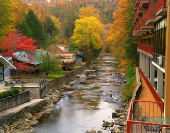 Hotel - Baymont by Wyndham Gatlinburg On The River