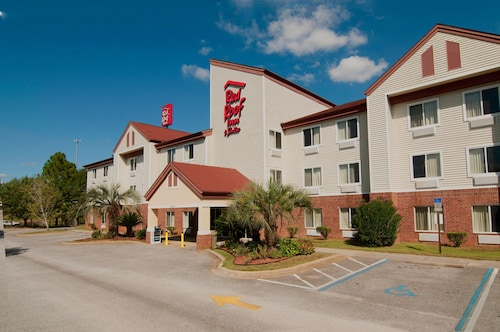 . Red Roof Inn & Suites Pensacola East - Milton