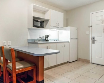 In-Room Kitchen at NEXTLoft Extended Stay & Suites in Bluffton