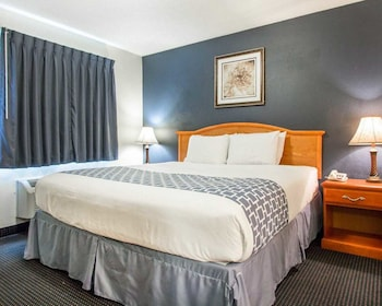 Guestroom at NEXTLoft Extended Stay & Suites in Bluffton