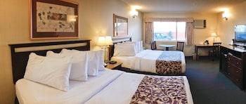 Standard Room, 2 Queen Beds (Pet Friendly)