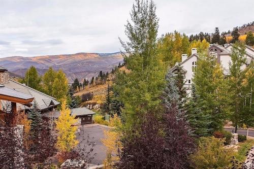 Elkhorn Lodge, Eagle