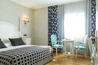 Double Room (with Airport Transfer)