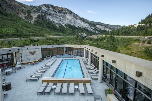 . The Cliff Lodge and Spa