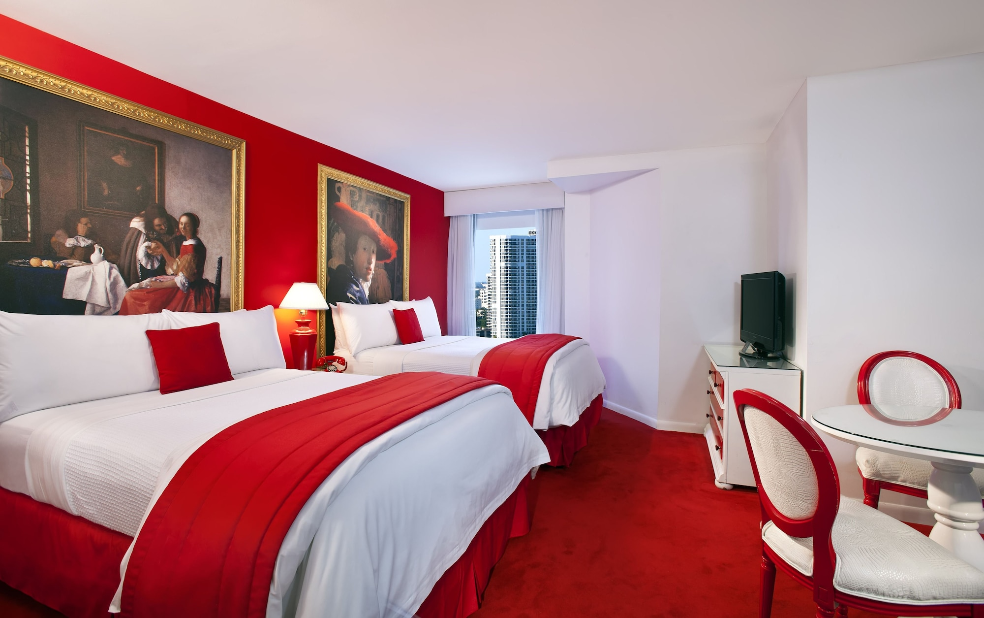 Red South Beach Hotel Roomer